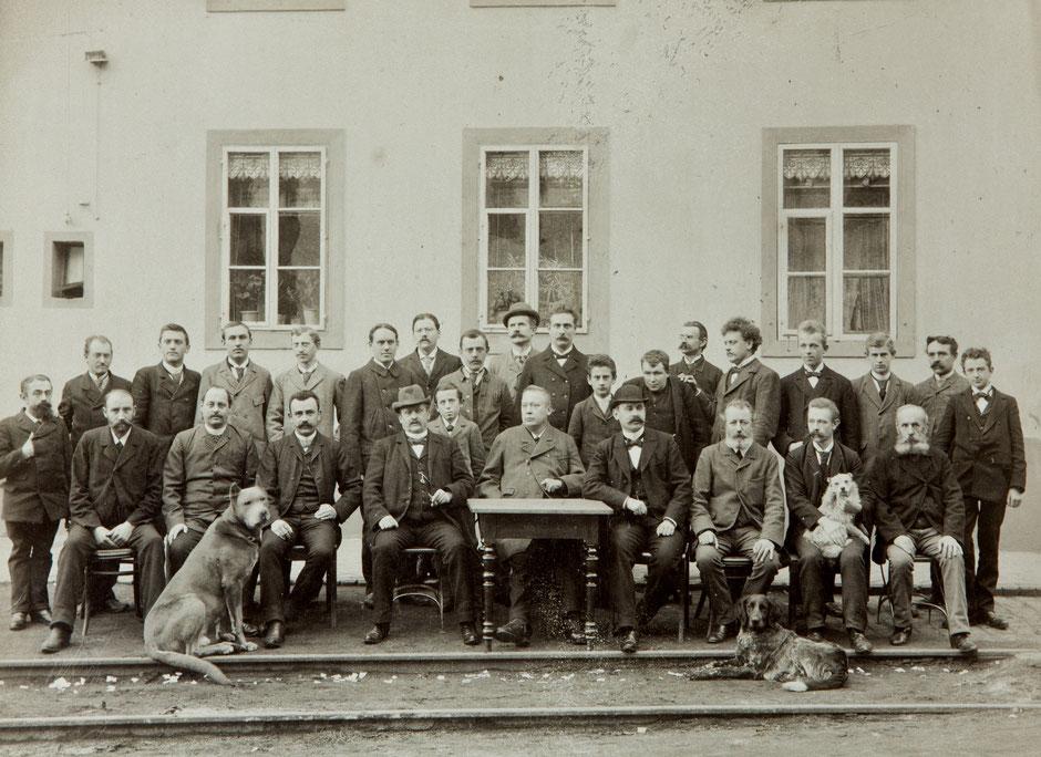 Firmenleitung und Büro aus der Fotoserie 1895 [11]