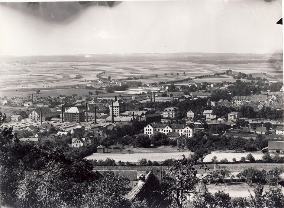 1904 mit Stranzkylager und neuen Bürohaus [11]. Vorne ist das Marienkrankenhaus, im Hintergrund ist das Gefängnis.