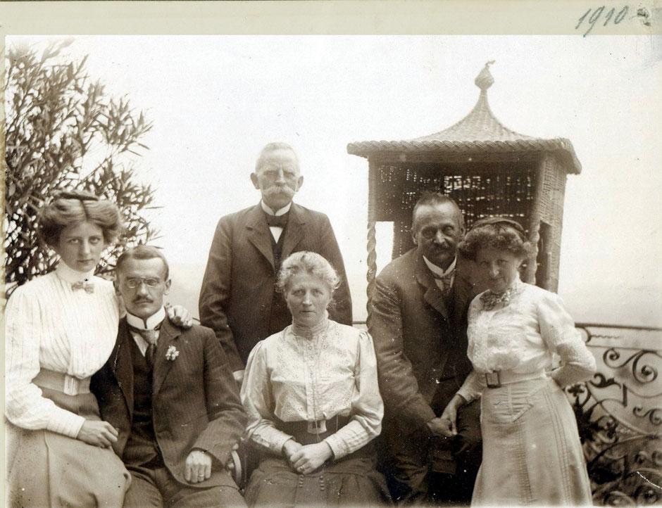 1910 Von links Elsa Koye, Oskar B., Otto und Maria Koye (die Eltern von Elsa), Georg B und Erny