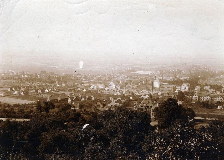 1907 Villa vom Berg aus gesehen
