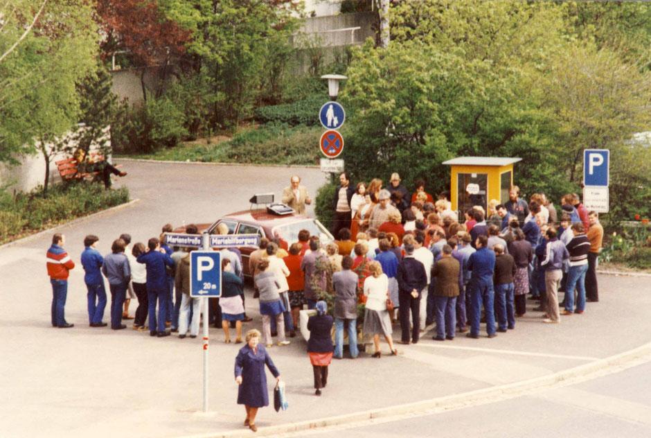1981 Streik vor dem Fabriktor