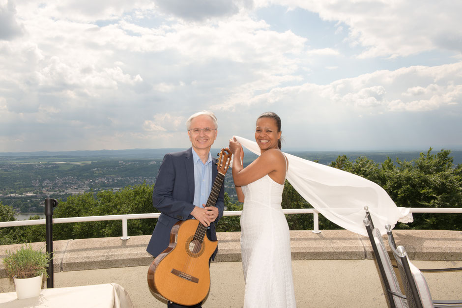 Rolf Marx und Felicia Touré - Terrasse Steigenberger Grandhotel Petersberg