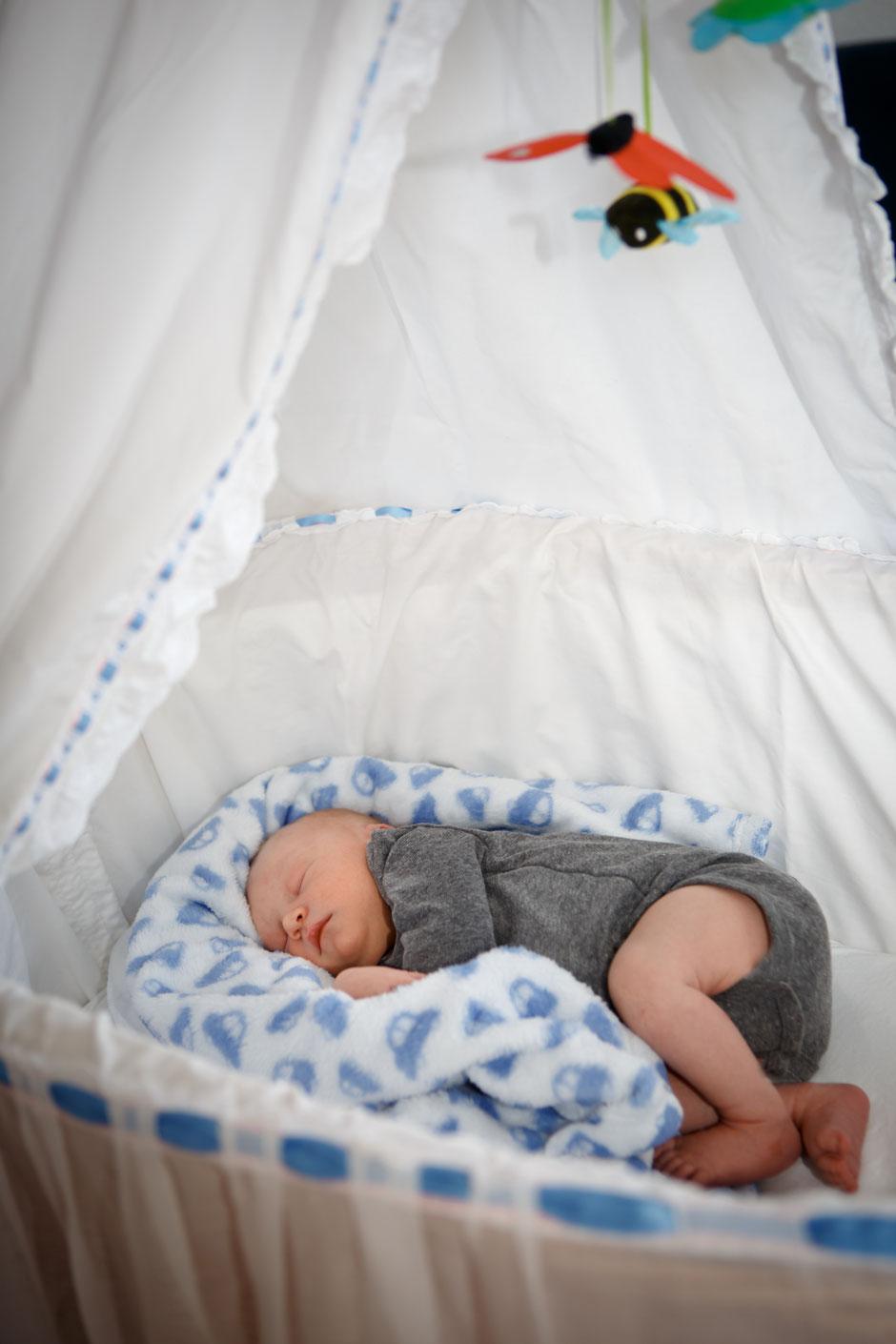 Neugeborenenfotos Dresden, Babyfotos Dresden, Fotograf Dresden Babyfotos, Babyshooting Dresden, Neugebornenenshooting Dresden, Fotostudio in Dresden, Newbornfotos Dresden. Fotograph Dresden