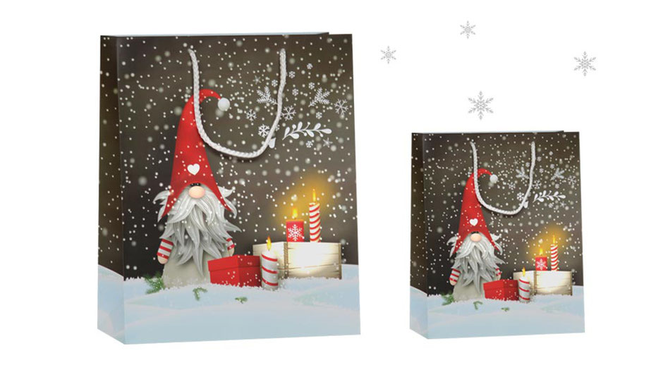 Weihnachtstaschen Wichtel Willi aus Papier mit gedrehter Papierkordel in weiß verschiedene Weihnachtstragetaschen in unterschiedlichen Formaten