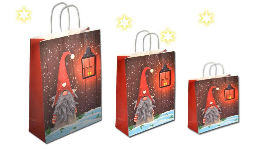 Weihnachtstaschen Geschenktaschen Weihnachten Wichtel Willi aus Papier mit Kordel in weiß in zwei praktischen Größen, verschiedene Weihnachtstragetaschen in unterschiedlichen Formaten günstig kaufen
