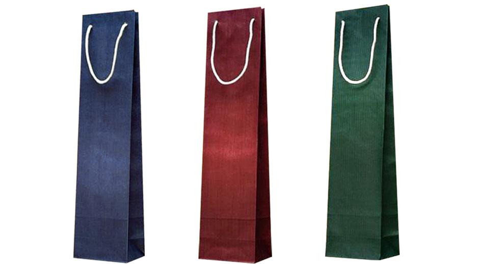 Flaschentragetaschen in blau bordeaux und grün aus leichtem 70 gramm Papier gerippt zur Flaschentasche mit Kordeldurchzug und Kordeldurchzug Zugkordel augestattet und konfektioniert