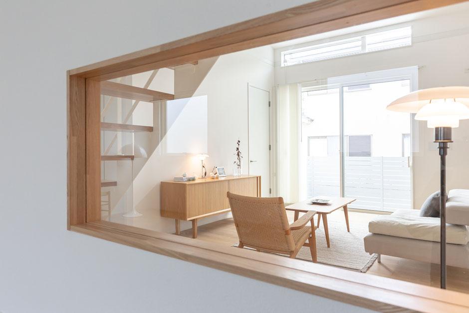 北欧家具のあるリビングの画像