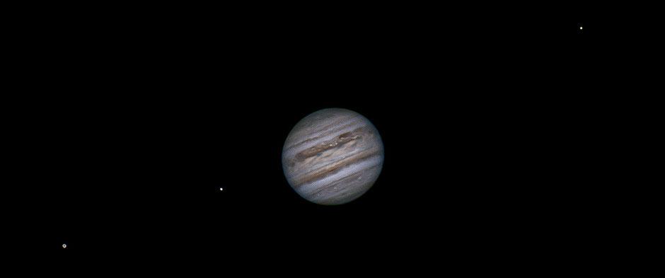 09 juillet 2020 à 22h36 TU. Ganyméde, Europe, Jupiter, Callisto, Io occulté par Jupiter.   Maksutow 180/2700mm, barlow 2X, CDA, caméra ZWO 385MC, filtre UV/IR cut