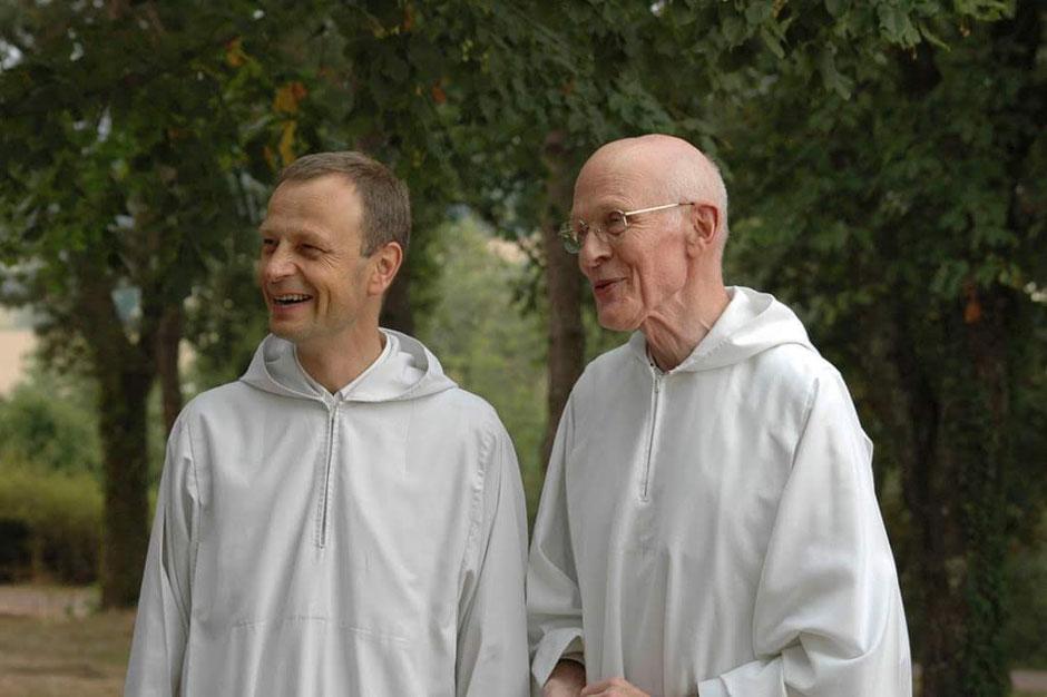 Frère François (ici à droite), aux côtés de frère Aloïs, prieur de la Communauté de Taizé.