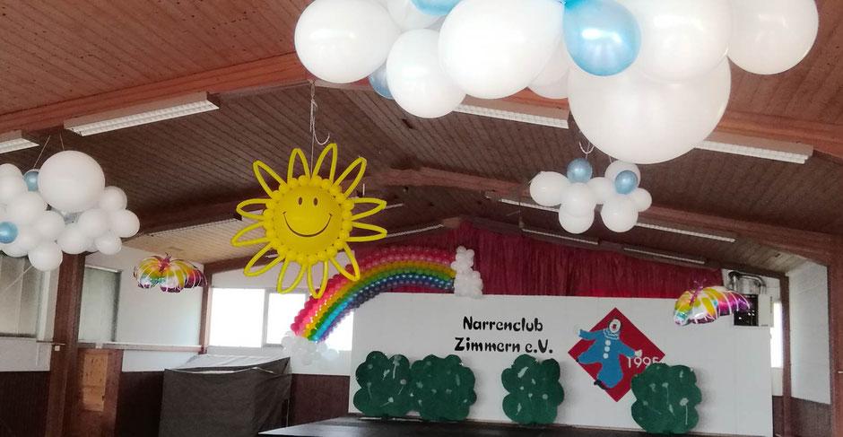 Hallendekoration Fasching Narrenclub Zimmern Sonne Regenbogen Wolken Schmetterlinge Dekoration Halle Sitzung Karneval Prunksitzung Faschingstanz