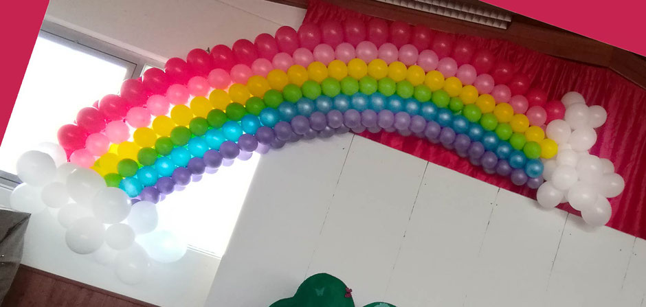 Hallendekoration Fasching Narrenclub Zimmern Sonne Regenbogen Wolken Schmetterlinge Dekoration Halle Sitzung Karneval Prunksitzung Faschingstanz bunt