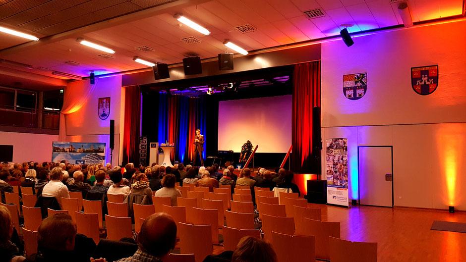 Nordgauhalle Nabburg mit Pianoreferent Martin Klapheck