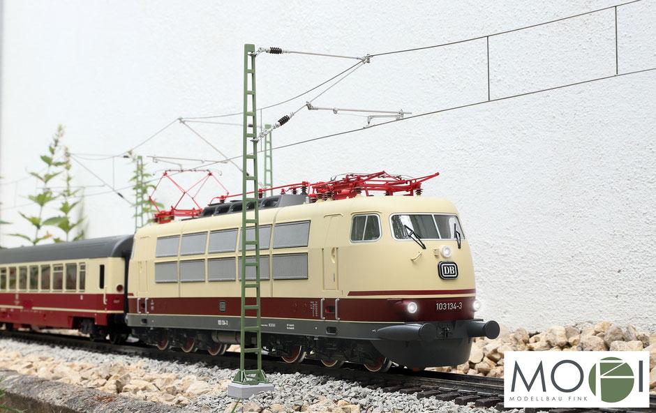 Modellbau Fink Oberleitung für die große Modellbahn / Gartenbahn in Spur-G mit Baureihe 103 von Piko.