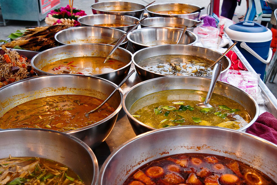 Streetfood-Garküche-in-Thailand