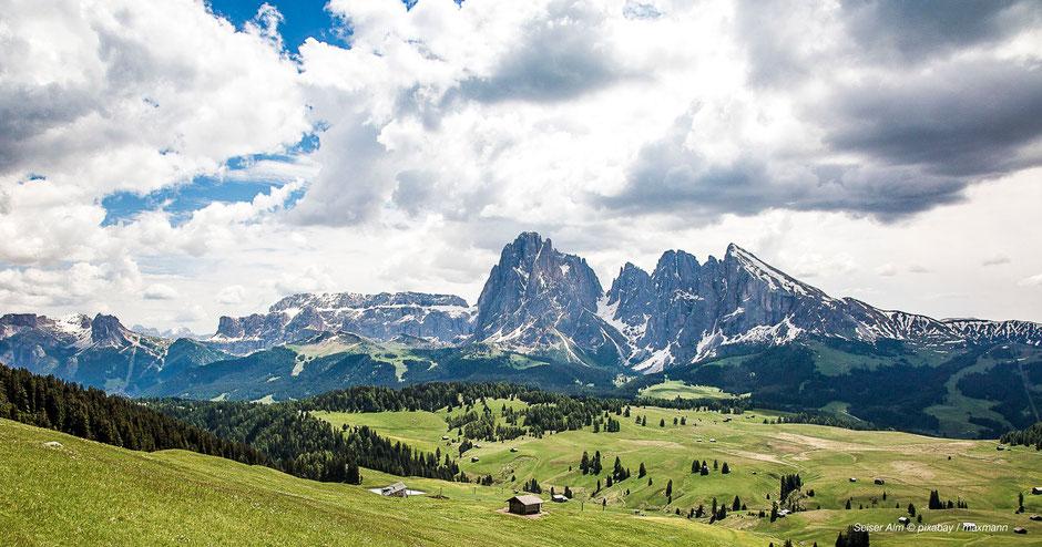 Wandern auf der Seiser Alm - Hiking at Schlern-Dolomites