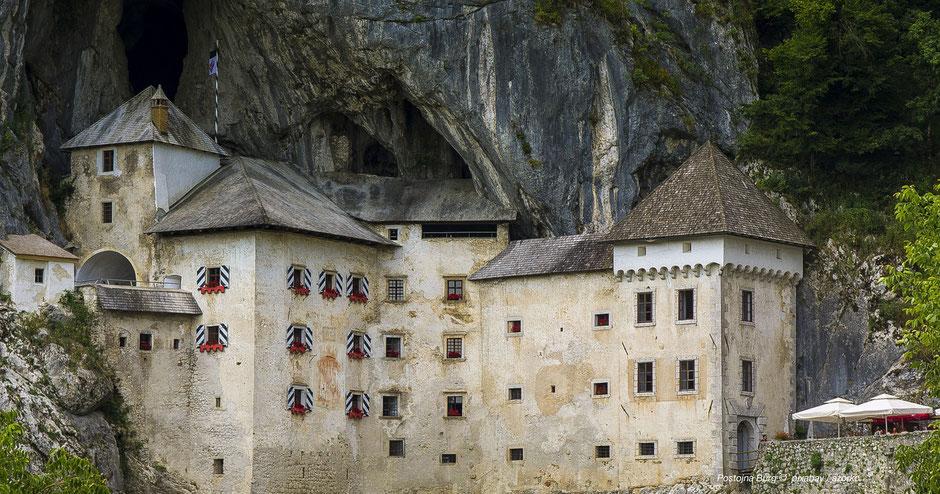 Adelsberger Grotte, Burg, Höhle von PostojnaFotospot, Fotomotiv, Fotografieren in Slow, Alpenjuwele, Hotspot, Slowenien, Höhle und Bahnfahrt, Unterkrain, Kranj, Triest, Südalpen, Ausflugsziele, schönster See, große Tropfsteinhöhle, Höhlenburg, Südalpen,