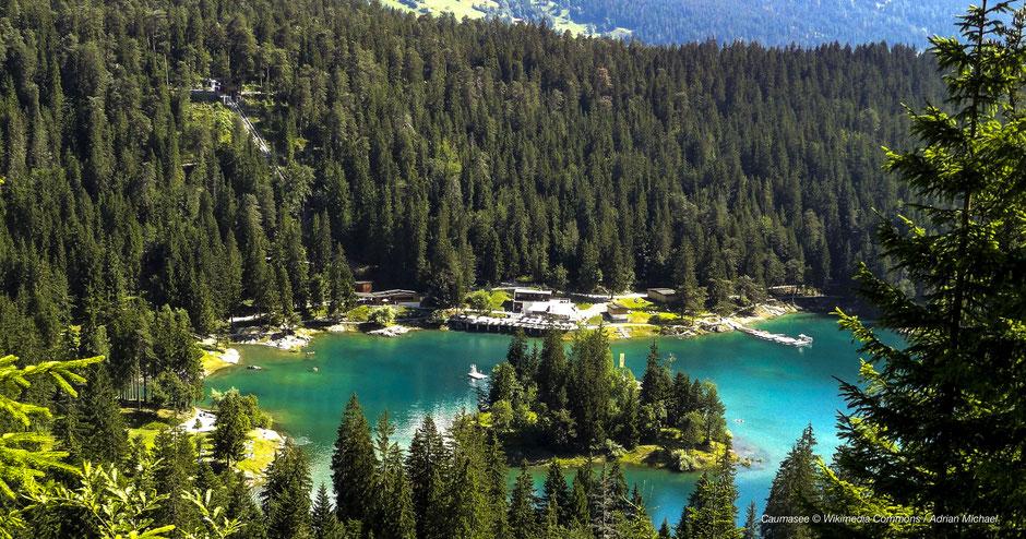 Caumasee, Wandern, Fotospots, Fotomotiv, Bernina-Express, Glacier Express, Aussichtsplattform, Grand Canyon Schweiz,  Conn-Il-Spir, Badesee Vorderrheinschlucht, Crestasee und Caumasee, Surselva See, Rhätische Bahn, Aussichtsplattform, Sicht