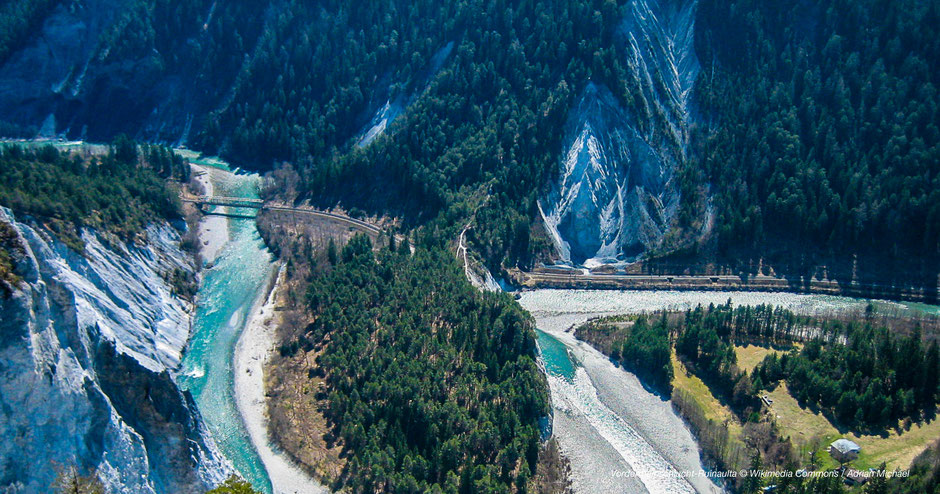 Wandern an der Vorderrheinschlucht - Hiking at Ruinaulta-Flims