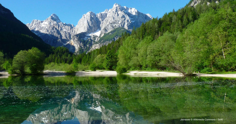 Jasnasee, Triglav Nationalpark, Kranjska Gora See, Planica See, Lake Jasna, Berge spiegeln sich in See, Spiegelung See Berge, Slovenian Lake, Alps Lake, Slovenia, Green Lake, Grüner See, See mit Felsen, Lake and Rock, Stimmung