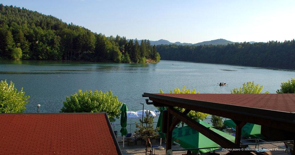 Terrasse am See, nice lake, Slovenia, schönste Seen Sloweniens, Grüner See, Alpensee, Alps lake
