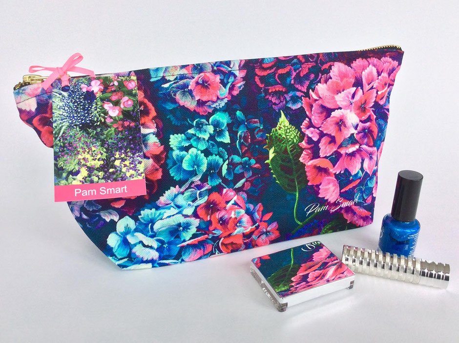 hydrangeas cotton zip bag