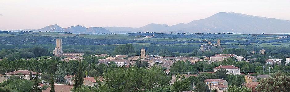 Ville de Roquemaure dans le Gard