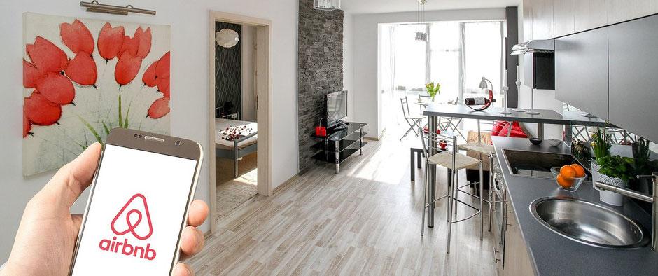 Buchungen von Hotels und Ferienwohnungen über Booking.com und Airbnb ohne Reiseversicherung.
