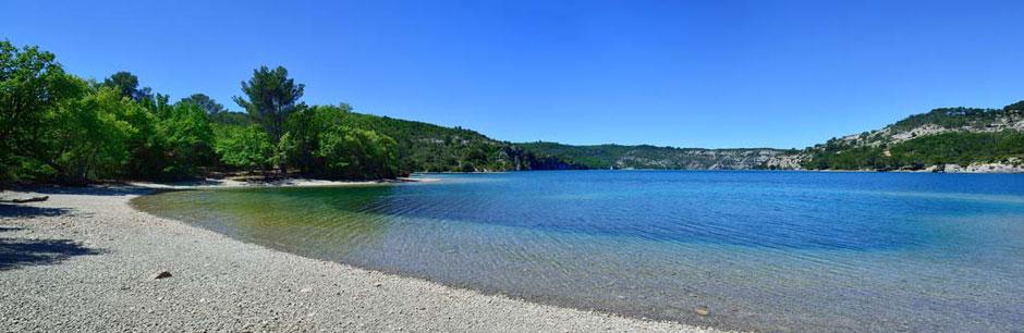 Camping le Soleil Esparron de Vardon plage du lac d'Esparron