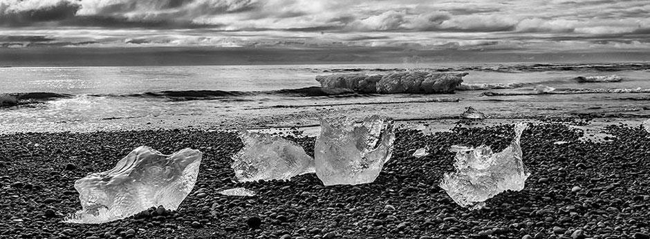 Gestrandete Eisblöcke in der Gletscherlagune Jökulsárlón