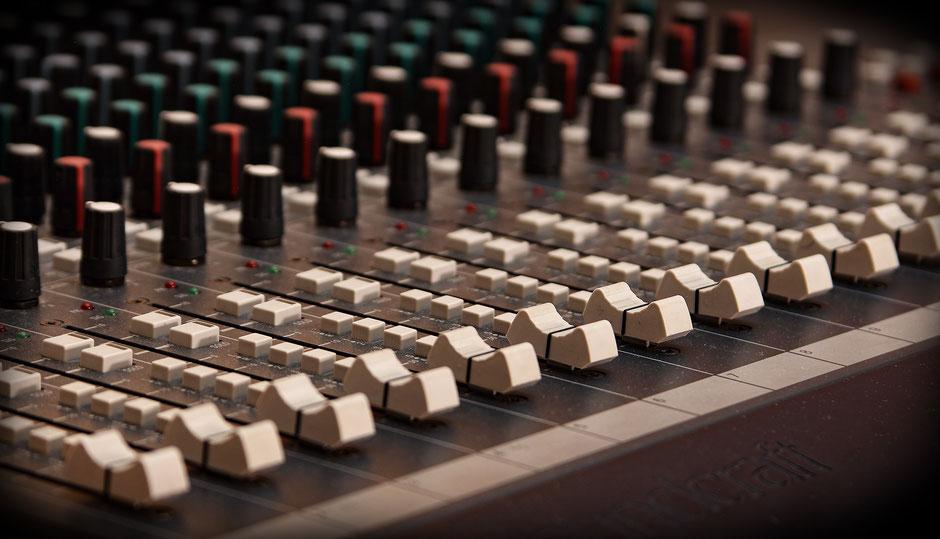 Mixing Console Mischen Mischpult Soundcraft SSL Neve