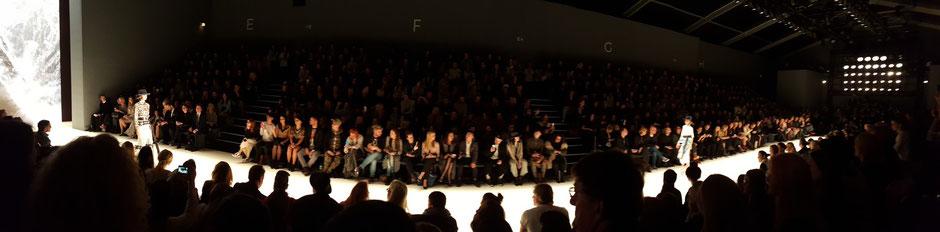 Bild: Rebekka Ruétz auf der Fashion Week Berlin