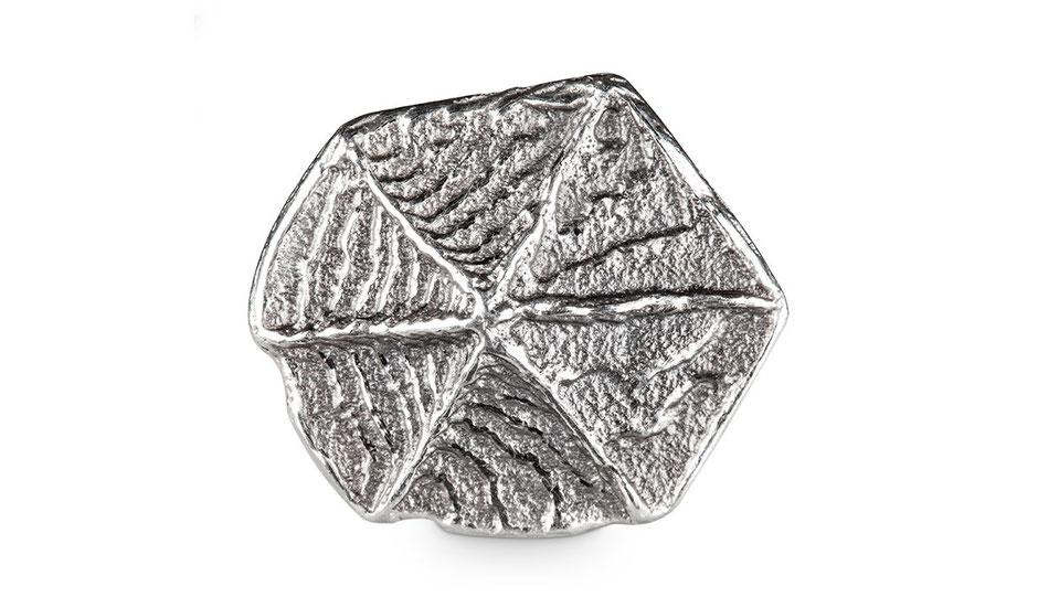 Bild: Ossa-Sepia Guss Manschettenknöpfe Sechseck handgearbeitet aus 925er geschwärztem Sterlingsilber