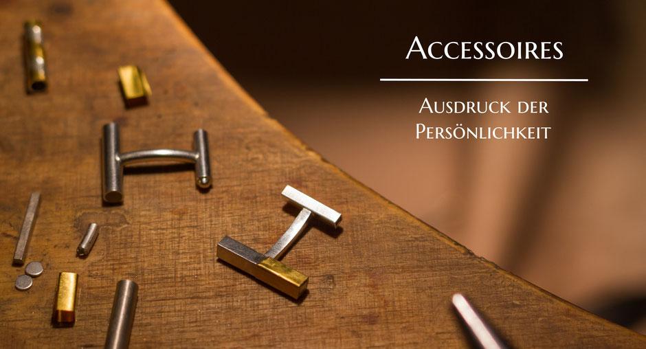 Bild: Herstellung von Manschettenknöpfen aus Silber und Goldblech