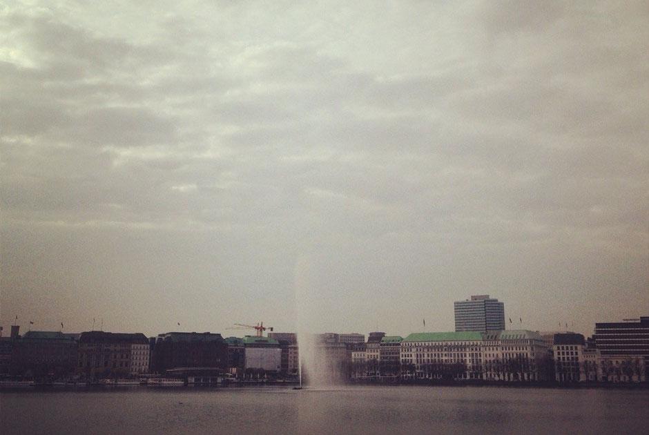 Hamburg in sonnigem Grau: Ganz schön eigentlich!
