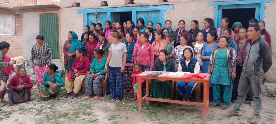 Ein Frauenkomitee trägt konkrete Vorschläge zum Bau des Gesundheitszentrums bei. Insbesondere für die Ausstattung des Geburtszimmers. Foto: Gecotec e.V.