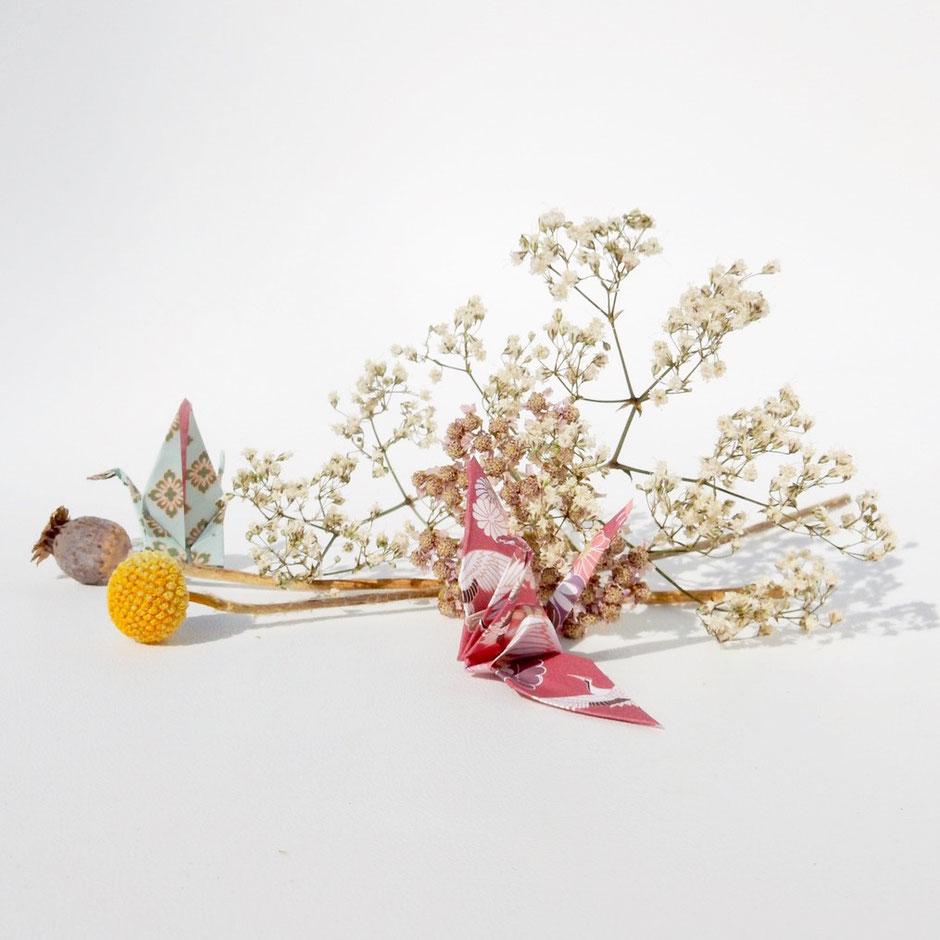 fleurs séchées; origamis ; couronne de fleurs ; cloches ; créatrice française, margaux.m.decoration, fait-main, cadeau, fleurs, couronnes de fleurs séchées, guirlandes, lettre, décoration murale, décoration