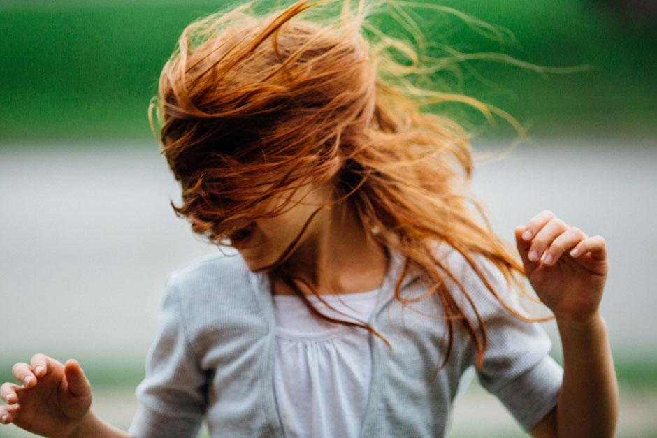 Tanz mal drüber nach!                                                                                                                               Photo by Johnny McClung on Unsplash
