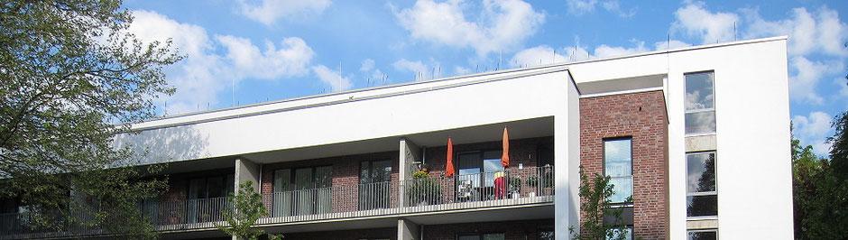 Stiftung Hieronymus Vogeler Gotteswohnungen. Wohnanlage in Hamburg Rahlstedt mit 39 alten und behindertengerechten 1 1/2 und 2 Zimmer Wohnungen für Personen ab 60 Jahren.