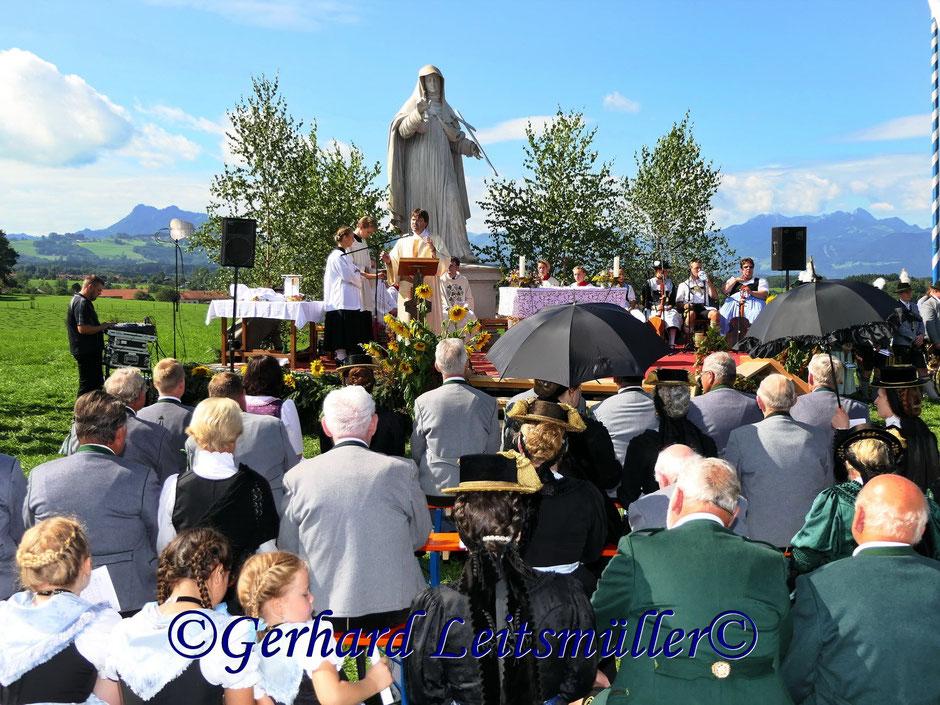 Feldgottesdienst auf dem Daxlberg in Riedering