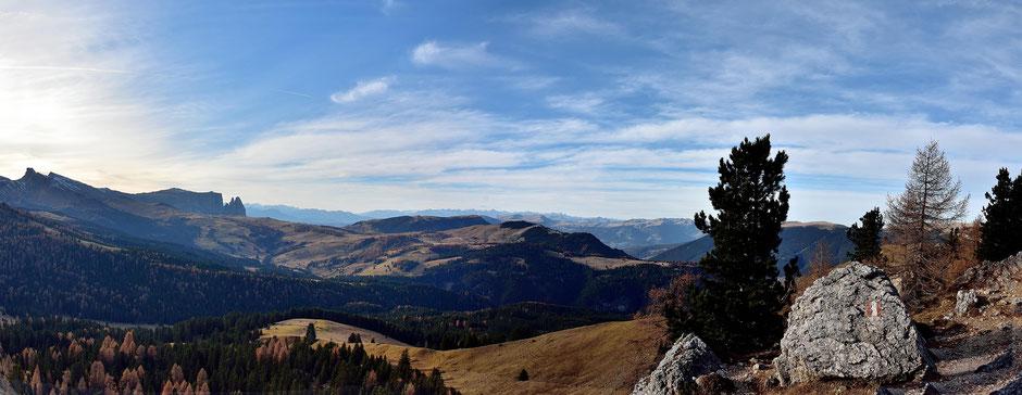 Dolomiten , Südtirol , Val Gardena , Grödner Tal , Wolkenstein , Langkofelrundweg , Wandern , Trekking , Herbst , Landschaft , Naturfotografie , Himmel , Landscape , Mountains , Nature , Hikking , Italy , Autum , Photography