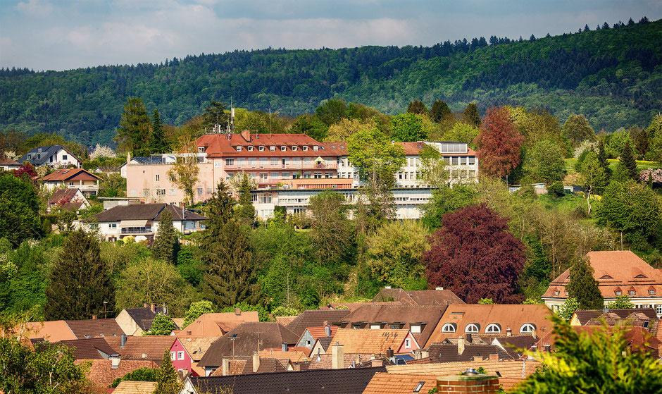 Das Ettenheimer Krankenhaus ist eine überaus bedeutende Einrichtung für die Menschen der Region und prägt die Silhouette Ettenheims.
