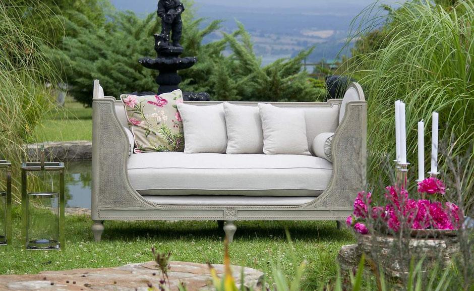 Möbel im Garten