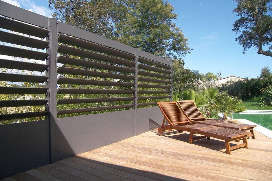 Sichtschutz mit Mauer im eigenen Garten