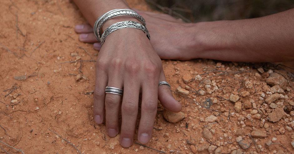 Bagues et bracelets en argent massif pour hommes