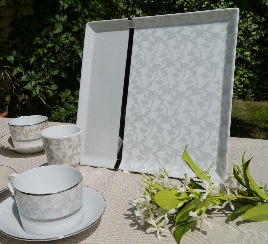Nara Porcelaine peinte à la main - Trianon Plateau carré Gris Argent et Platine