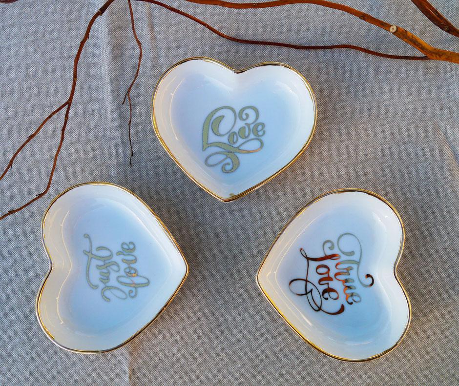 Coupelle coeur message en porcelaine pour la Saint Valentin