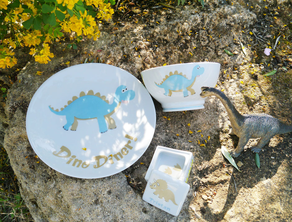 set vaisselle dinosaure enfant personnalisable