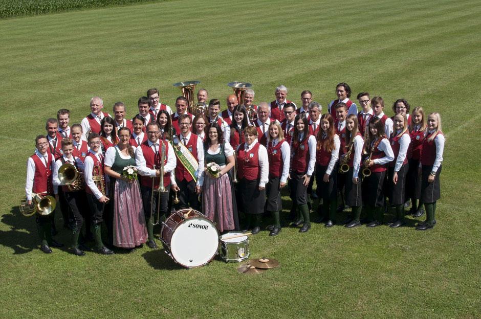 Neben den musikalischen Veranstaltungen, wie das Weisenbläsertreffen und das jährlich stattfindende Herbstkonzert spielt der Musikverein jedes Jahr ein Theaterstück.