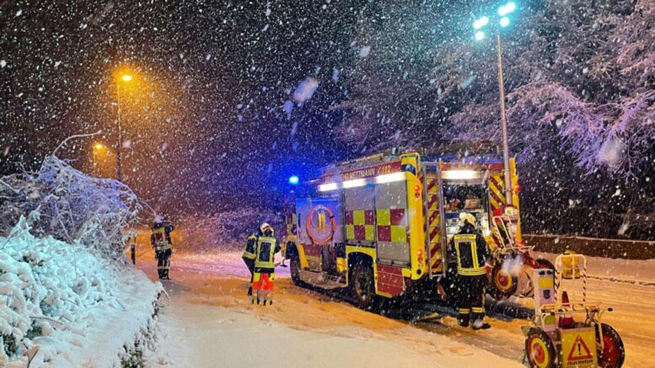 Die Feuerwehr war am Sonntagmorgen im gesamten Stadtgebiet im Einsatz. (Foto: Feuerwehr Mettmann)