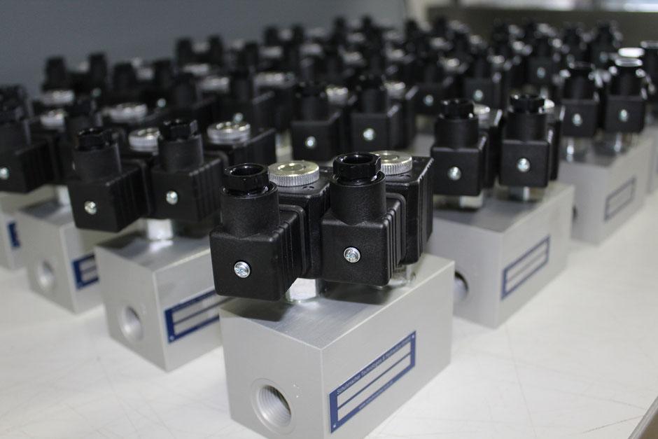 Serienmontage Steuerblöcke aus Aluminium
